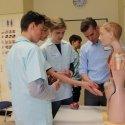 Beim Boy's Day bekamen die Jungen Einblicke in das Berufsfeld der Gesundheits- und Krankenpflege.