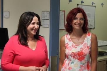 Senatorin Dilek Kolat (links) und Ministerin Diana Golze (rechts) zu Besuch im St. Joseph Krankenhaus Berlin-Tempelhof.