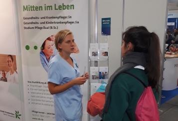 Auszubildende berichteten über den Alltag an der Schule für Gesundheitsberufe.