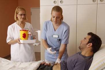 Mit einer guten Pflege-Ausbildung hat man gute Chancen auf dem Arbeitsmarkt.