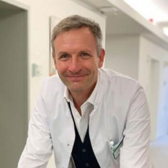 Dr. Hartmut Stocker, Chefarzt der Klinik für Infektiologie