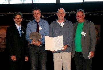 Bei der Preisverleihung: Oliver Schworck, Vorsitzender der Stiftung Naturschutz, Donald Schiemann, Stephan Bossman und Christoph Biermann